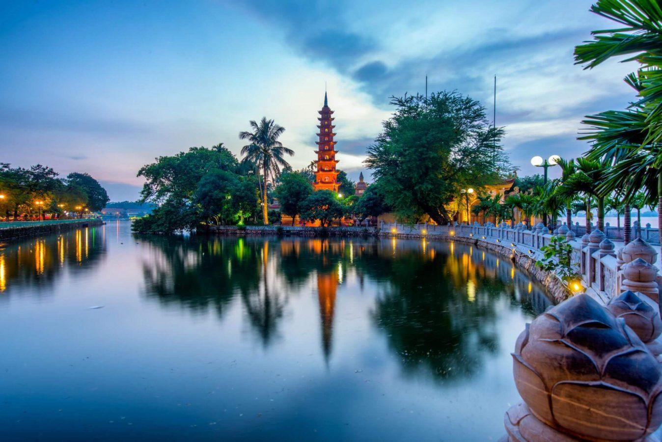 les-temples-et-pagodes-c3a0-hanoi-tran-quoc-7184906