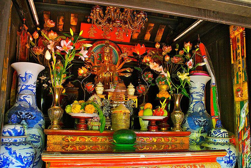 pagode-a-pilier-unique-hanoi-autel-1384736