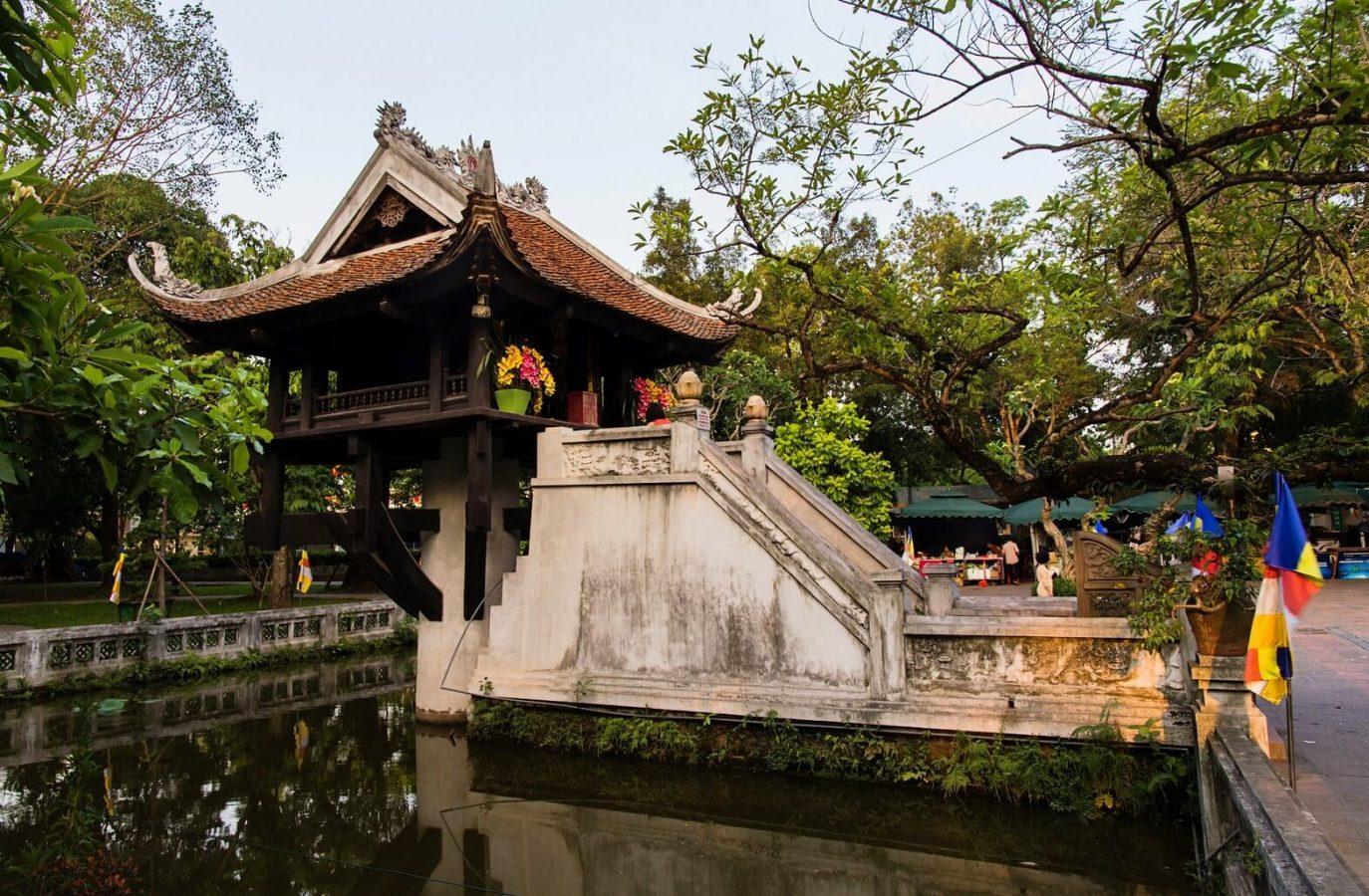 temples-et-pagodes-c3a0-hanoi-pagode-a-pilier-unique-8365599