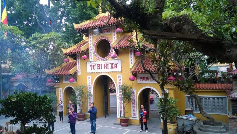 temples-et-pagodes-c3a0-hanoi-quan-su-e1533554017199-9900531