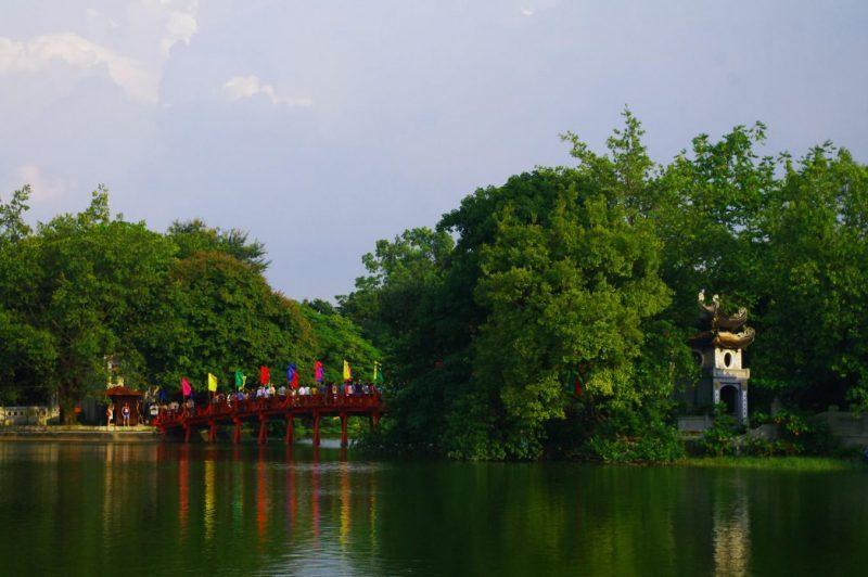 temples-et-pagodes-a-hanoi-ngoc-son-e1533293251890-9609352