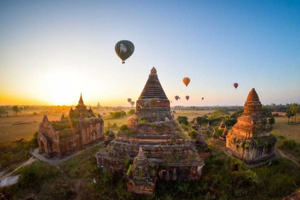 les-fc3aates-en-birmanie-1-1024x684-6102181
